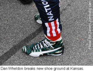 Wheldon_shoes_KS_2009