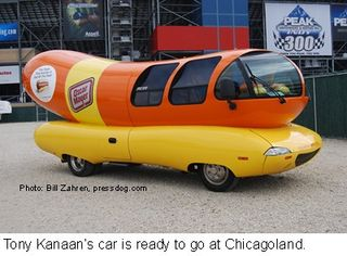 Wienermobile_Chicagoland_2009